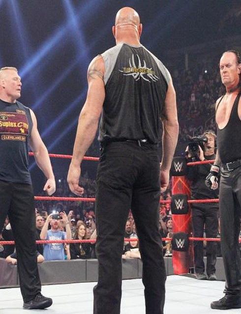 عرض الرو WWE Raw 23 01 2017 HD مترجم اون لاين كامل HD